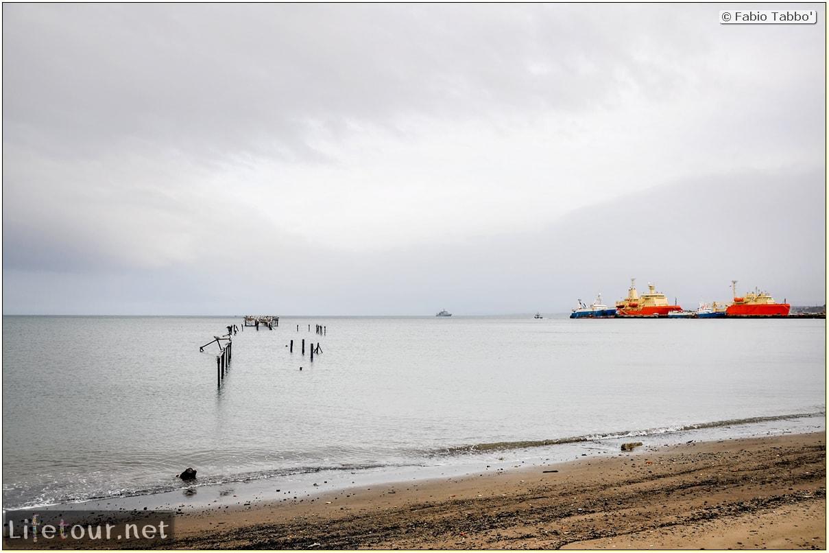 Fabio_s-LifeTour---Chile-(2015-September)---Punta-Arenas---Plaza-Fundacional-(waterfront)---5206