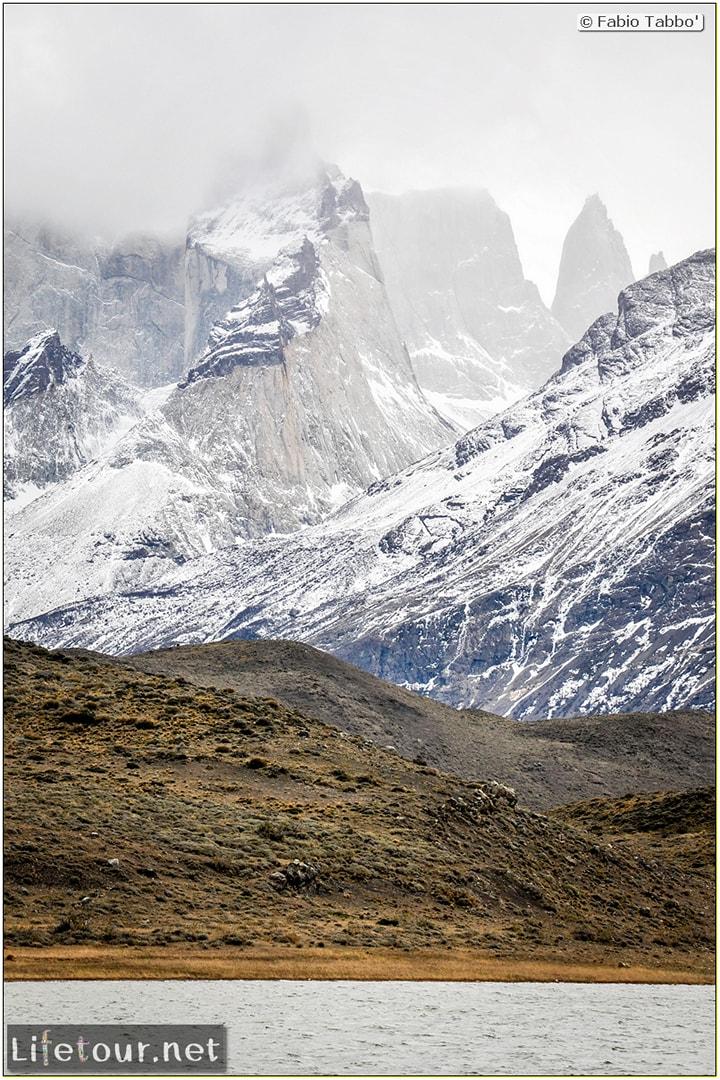 Fabio_s-LifeTour---Chile-(2015-September)---Torres-del-Paine---Amarga-Lagoon---11599