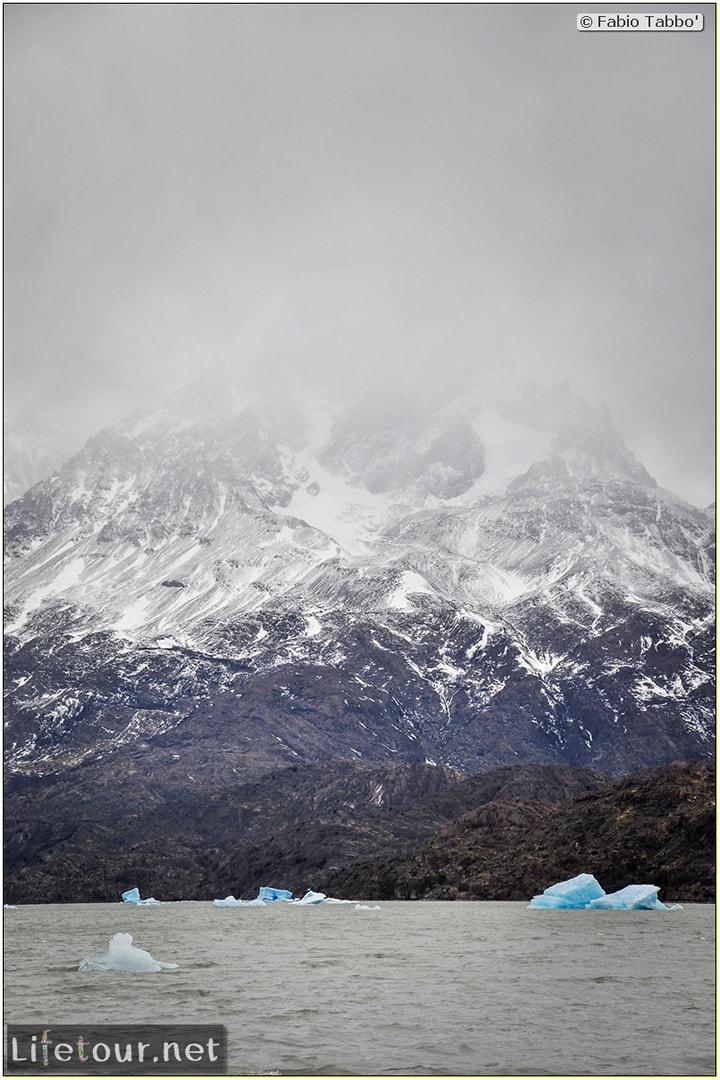 Fabio_s-LifeTour---Chile-(2015-September)---Torres-del-Paine---Glacier-Gray---12379