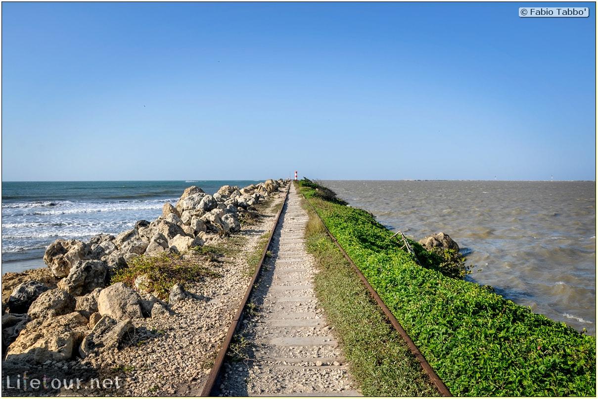 Barranquilla---Bocas-de-Ceniza---1.-The-railroad-in-the-middle-of-the-ocean---908