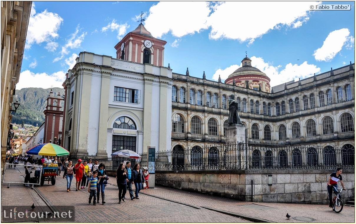 Fabio_s-LifeTour---Colombia-(2015-January-February)---Bogota_---Candelaria---Bolivar-Plaza---6233