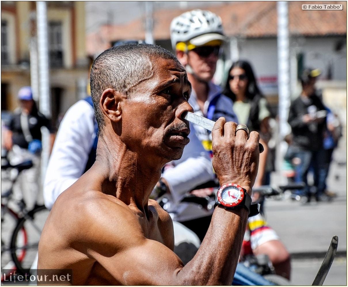 Fabio_s-LifeTour---Colombia-(2015-January-February)---Bogota_---Candelaria---Street-entertainment-in-Bogot…---4138