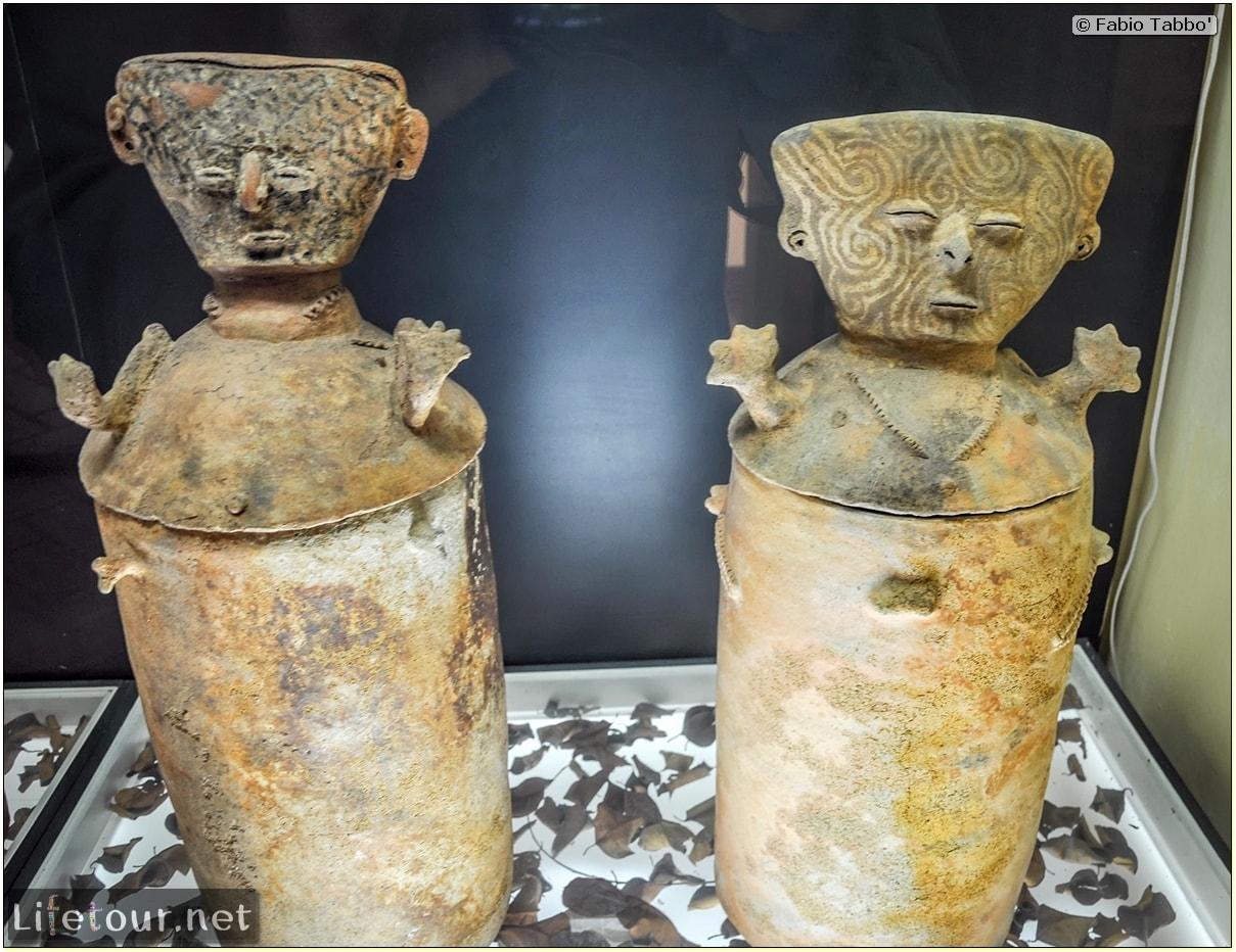 Fabio_s-LifeTour---Colombia-(2015-January-February)---Cartagena---Walled-city---Museo-de-oro---9523