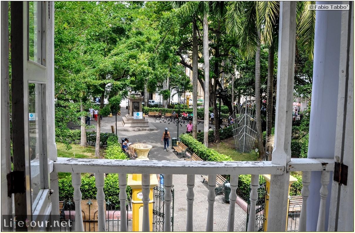 Fabio_s-LifeTour---Colombia-(2015-January-February)---Cartagena---Walled-city---Plaza-de-Bolivar---9811 COVER