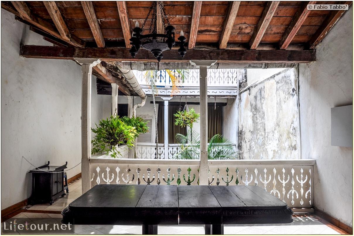 Fabio_s-LifeTour---Colombia-(2015-January-February)---Cartagena---Walled-city---Plaza-de-Bolivar---9850
