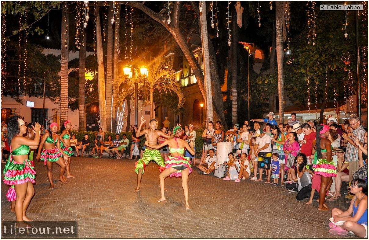 Fabio_s-LifeTour---Colombia-(2015-January-February)---Cartagena---Walled-city---Street-dance-shows---6800 COVER