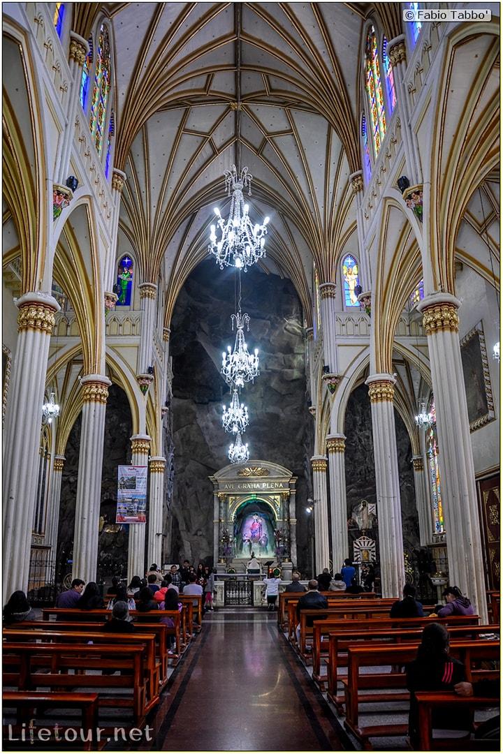 Fabio_s-LifeTour---Colombia-(2015-January-February)---Ipiales---Las-Lajas-sanctuary---Inside-the-Las-Lajas-church---4526
