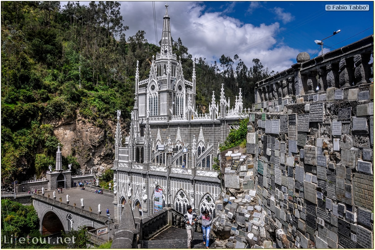 Fabio_s-LifeTour---Colombia-(2015-January-February)---Ipiales---Las-Lajas-sanctuary---Outside-views---3739