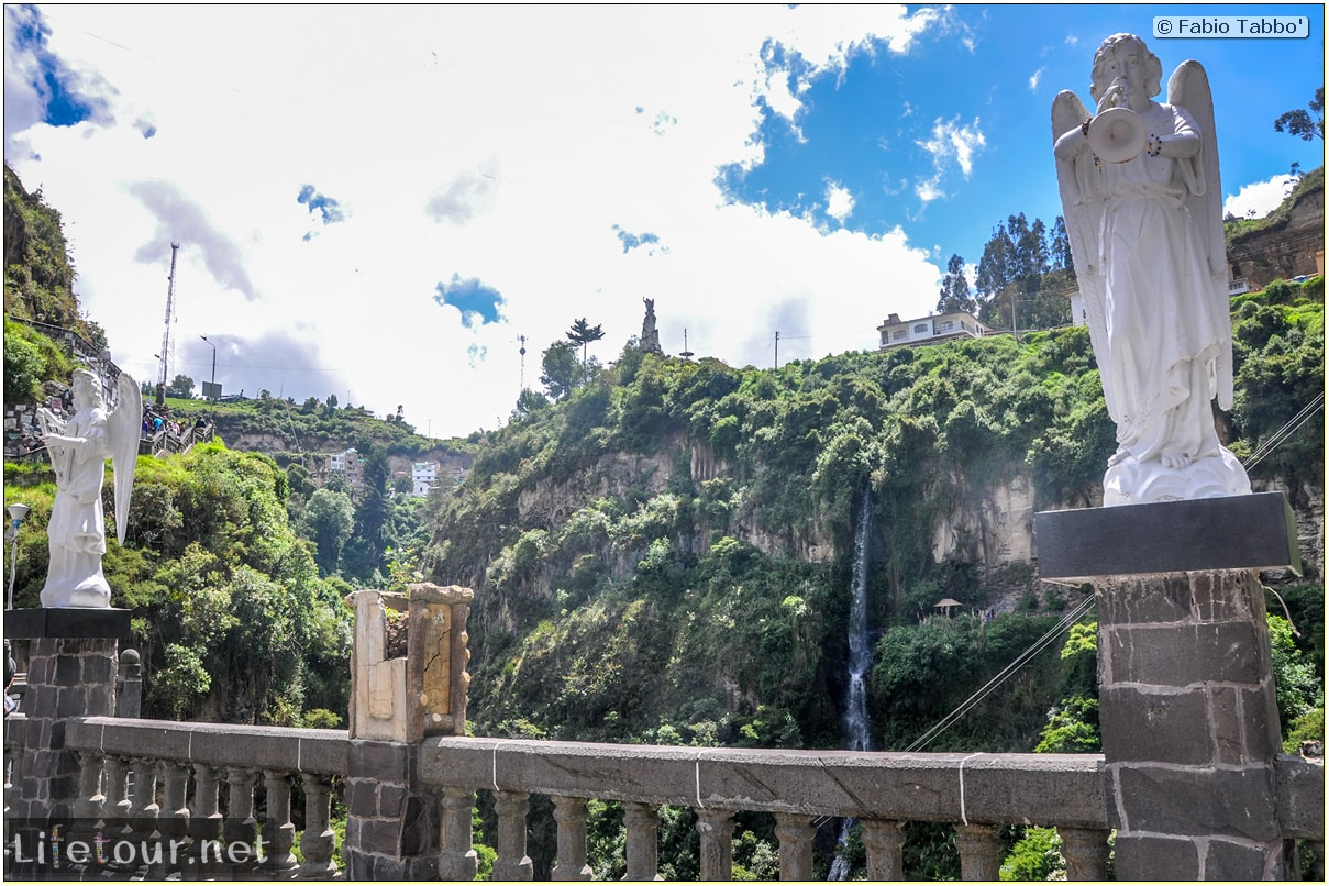 Fabio_s-LifeTour---Colombia-(2015-January-February)---Ipiales---Las-Lajas-sanctuary---Outside-views---5285