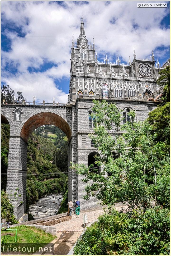 Fabio_s-LifeTour---Colombia-(2015-January-February)---Ipiales---Las-Lajas-sanctuary---Outside-views---8361