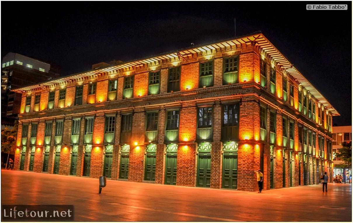 Fabio_s-LifeTour---Colombia-(2015-January-February)---Medellin---Candelaria---Plaza-de-Cisneros---5847