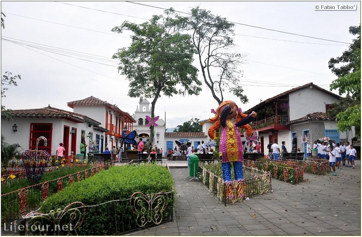 Fabio_s-LifeTour---Colombia-(2015-January-February)---Medellin---Pueblito-Paisa---5323