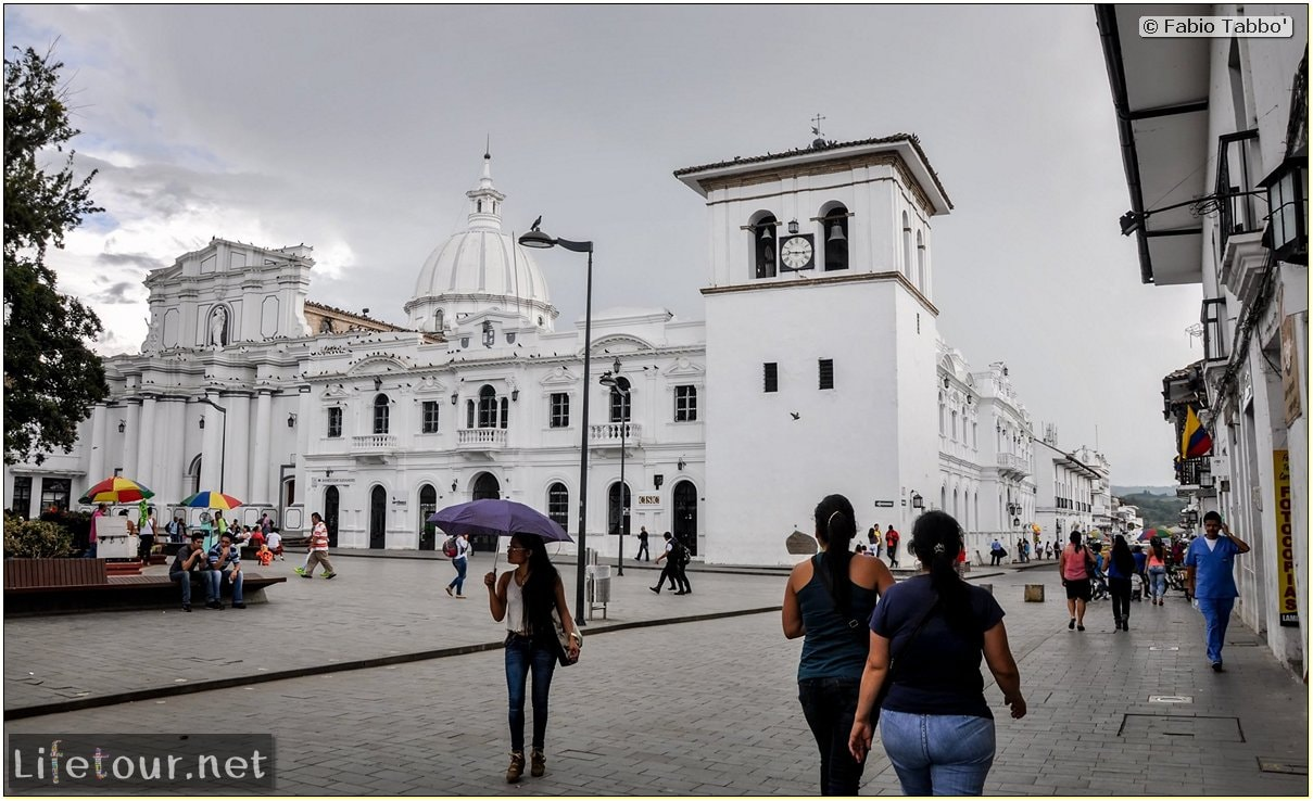 Fabio_s-LifeTour---Colombia-(2015-January-February)---Popayan---Caldas-Park---7994 COVER