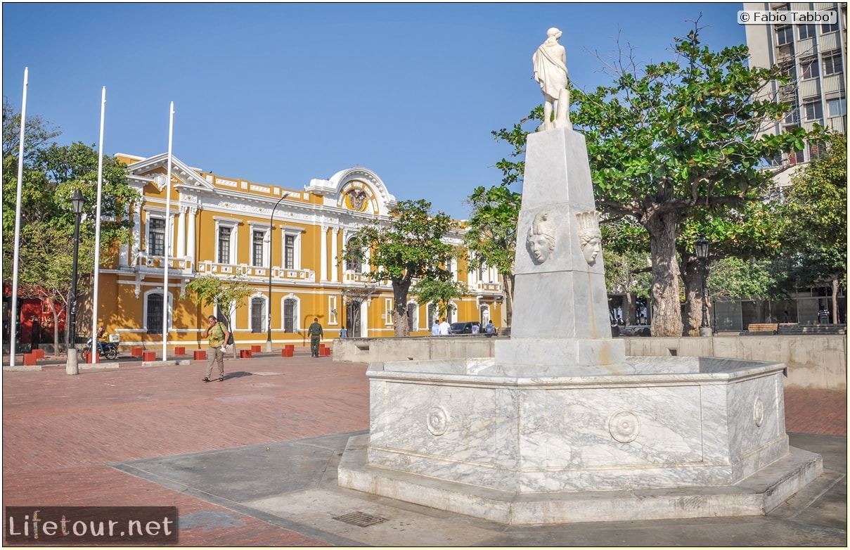Fabio_s-LifeTour---Colombia-(2015-January-February)---Santa-Marta---city-center---Museo-del-oro-Tairona---5121 COVER