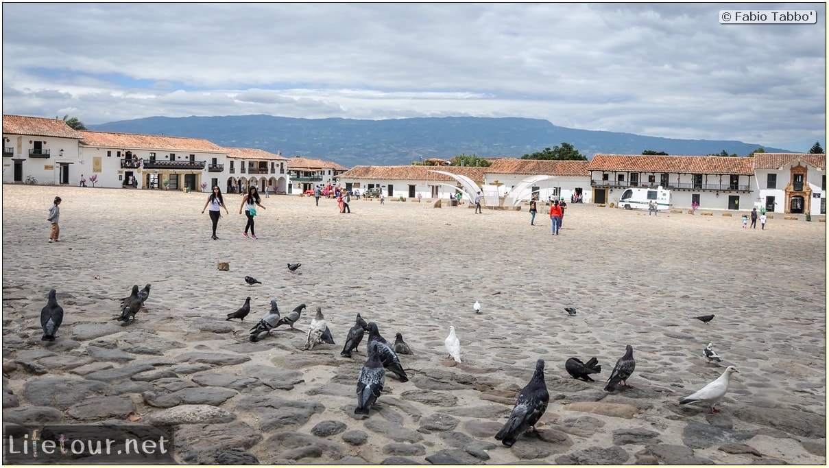 Fabio_s-LifeTour---Colombia-(2015-January-February)---Villa-de-Leyva---Plaza-Mayor---2970