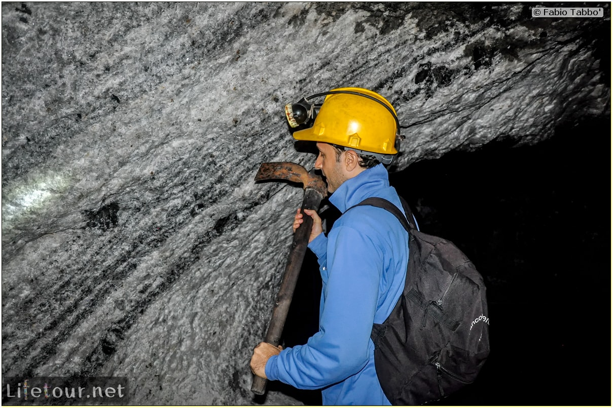 Fabio_s-LifeTour---Colombia-(2015-January-February)---Zipaquira_---Salt-cathedral-(Catedral-de-Sal)---Playing-with-dynamite---10419