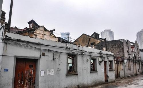Fabios-LifeTour-China-1993-1997-and-2014-Shanghai-1993-and-2014-Tourism-FangBang-rd-old-quarter-856-COVER