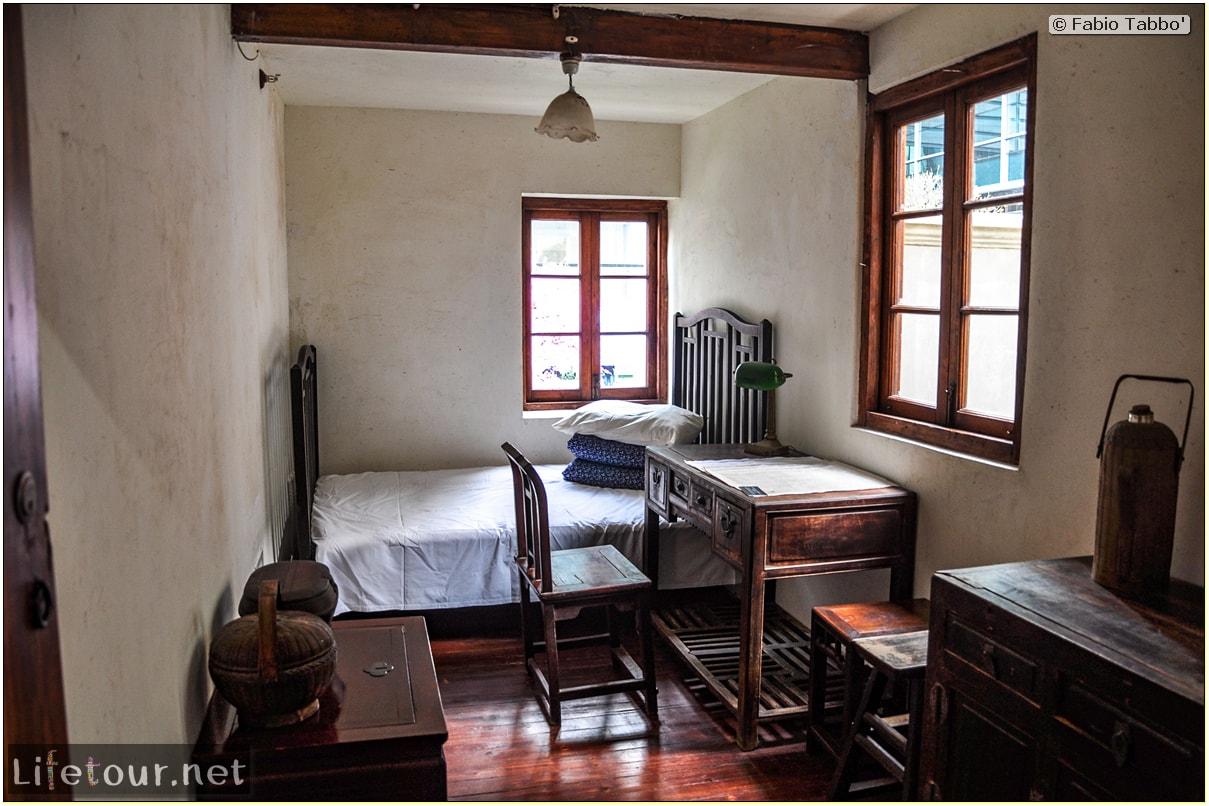 Fabio's LifeTour - China (1993-1997 and 2014) - Shanghai (1993 and 2014) - Tourism - Mao's house (Jing An temple) - 10576