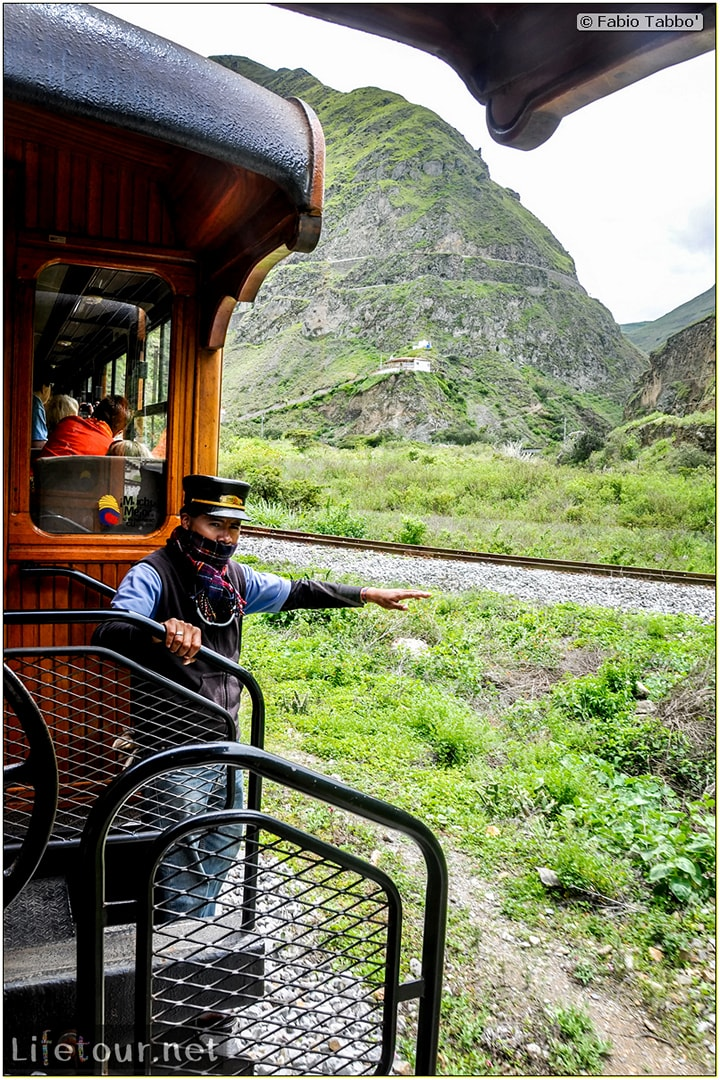 Fabio_s-LifeTour---Ecuador-(2015-February)---Alausi---El-Nariz-del-Diablo-(steam-train-ride)---12273