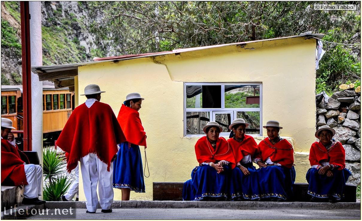 Fabio_s-LifeTour---Ecuador-(2015-February)---Alausi---El-Nariz-del-Diablo-(steam-train-ride)---12338