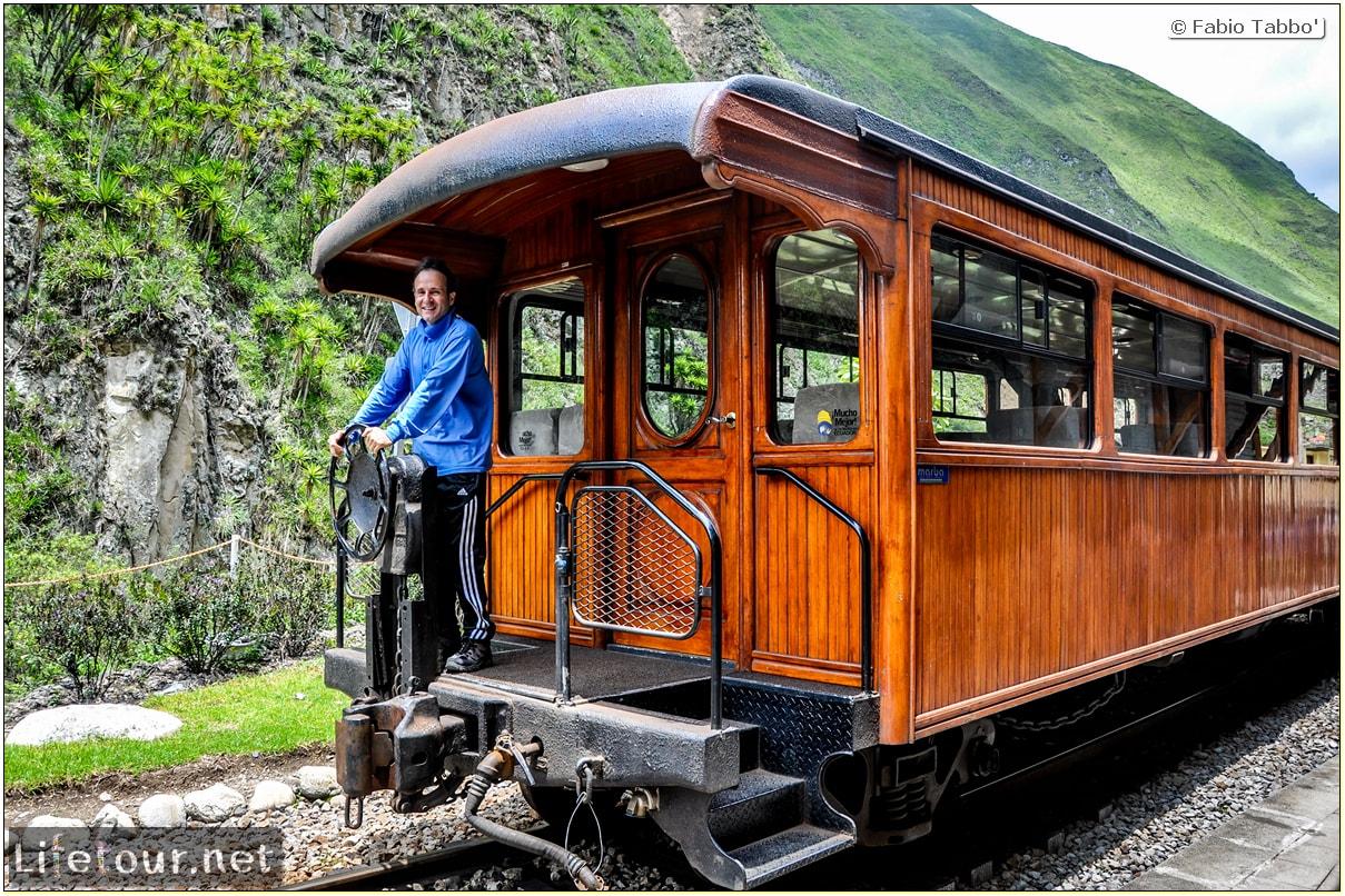 Fabio_s-LifeTour---Ecuador-(2015-February)---Alausi---El-Nariz-del-Diablo-(steam-train-ride)---12377