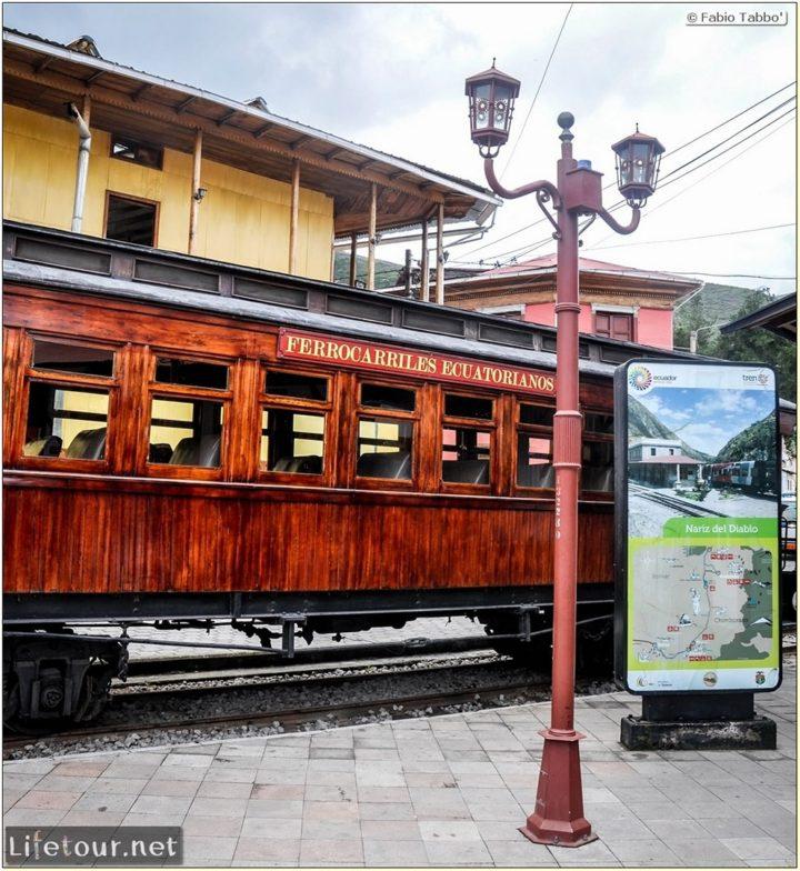 Fabio_s-LifeTour---Ecuador-(2015-February)---Alausi---Train-station-(Ferrocarriles-Ecuatorianos)---12108