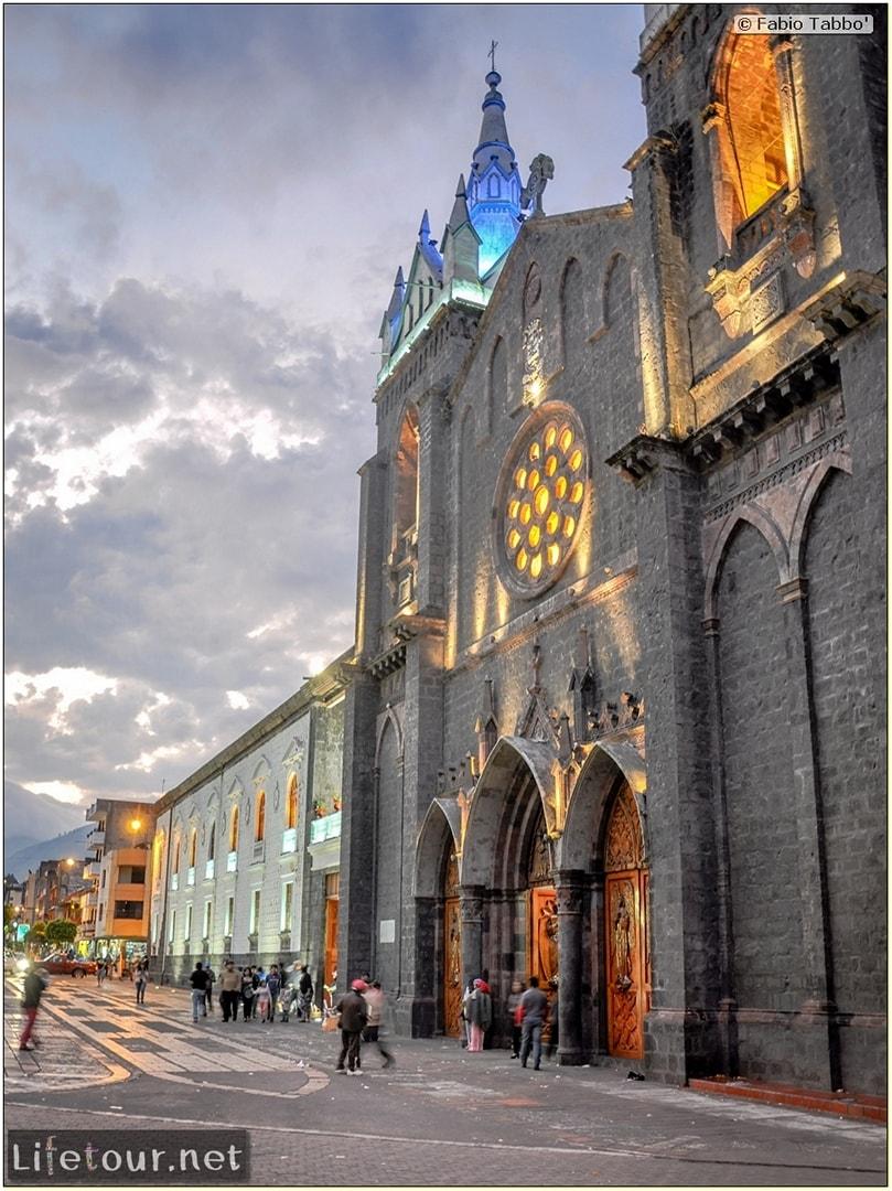 Fabio_s-LifeTour---Ecuador-(2015-February)---Banos---Basilica-Reina-del-Rosario-de-Agua-Santa---12422