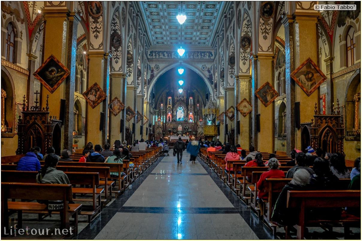 Fabio_s-LifeTour---Ecuador-(2015-February)---Banos---Basilica-Reina-del-Rosario-de-Agua-Santa---12428