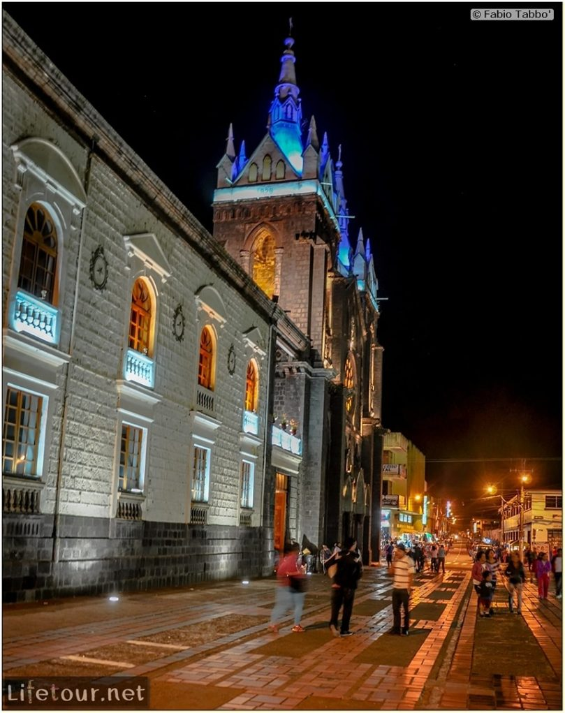 Fabio_s-LifeTour---Ecuador-(2015-February)---Banos---Basilica-Reina-del-Rosario-de-Agua-Santa---12435