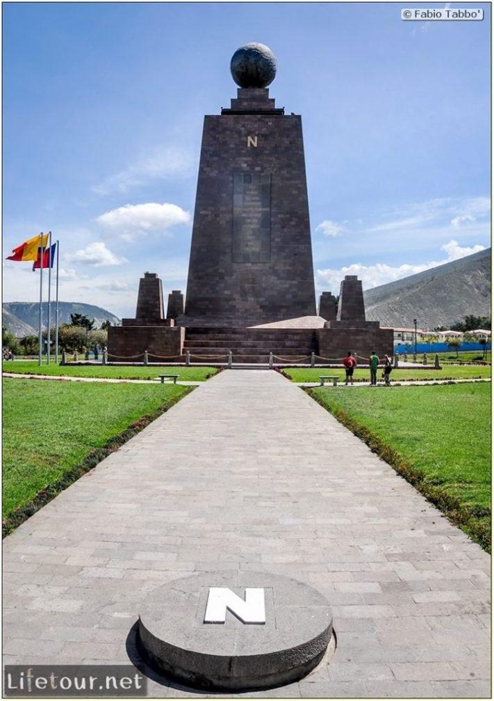 Fabio_s-LifeTour---Ecuador-(2015-February)---Mitad-del-mundo---Ciudad-Mitad-del-Mundo-(Equator-line)---11316