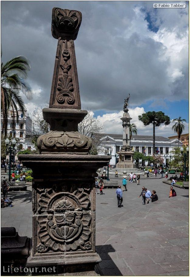 Fabio_s-LifeTour---Ecuador-(2015-February)---Quito---Plaza-Grande-(Independence-Square)---2383