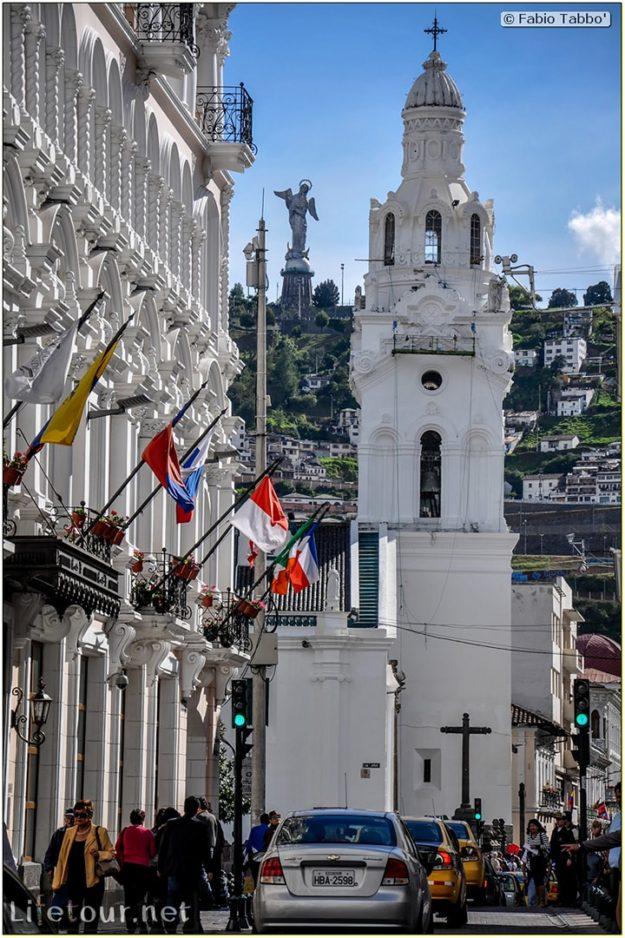 Fabio_s-LifeTour---Ecuador-(2015-February)---Quito---Plaza-Grande-(Independence-Square)---7134