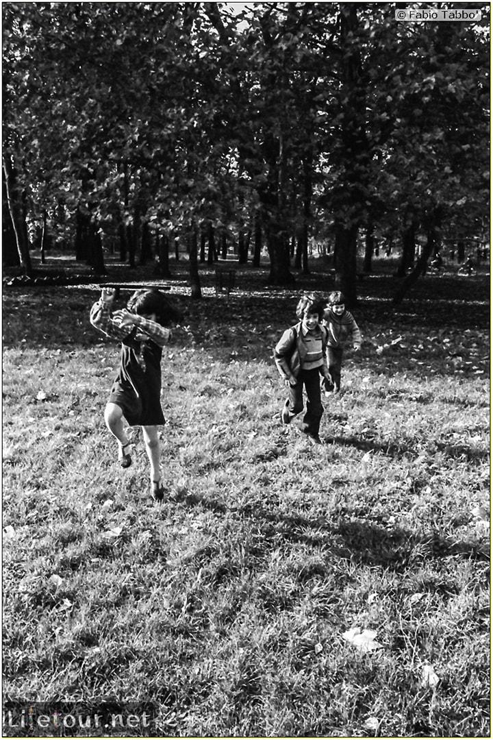France (1975, 1980, 90s) - Paris - Place des fetes bois de vincennes and Parc de buttes chaumont (1979 November) - 126
