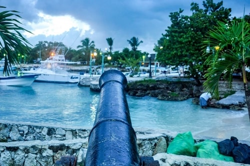 Dominican-Republic-Bayahibe-Waterfront-1812 COVER