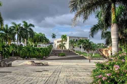 Dominican-Republic-Santo-Domingo-Ciudad-Colonial-(historical-center)-Alcazar-del-Colon-12423 COVER