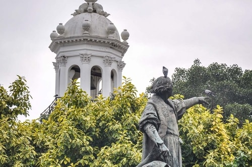Dominican-Republic-Santo-Domingo-Ciudad-Colonial-(historical-center)-Parque-Colon-7213 COVER
