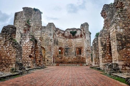 Dominican rep-Santo-Domingo-Ciudad-Colonial-Ruinas-de-San-Francisco-539 COVER