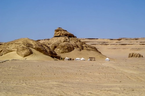 Egypt-Wadi-El-Hitan-(2007)-Base-Camp-21181 COVER