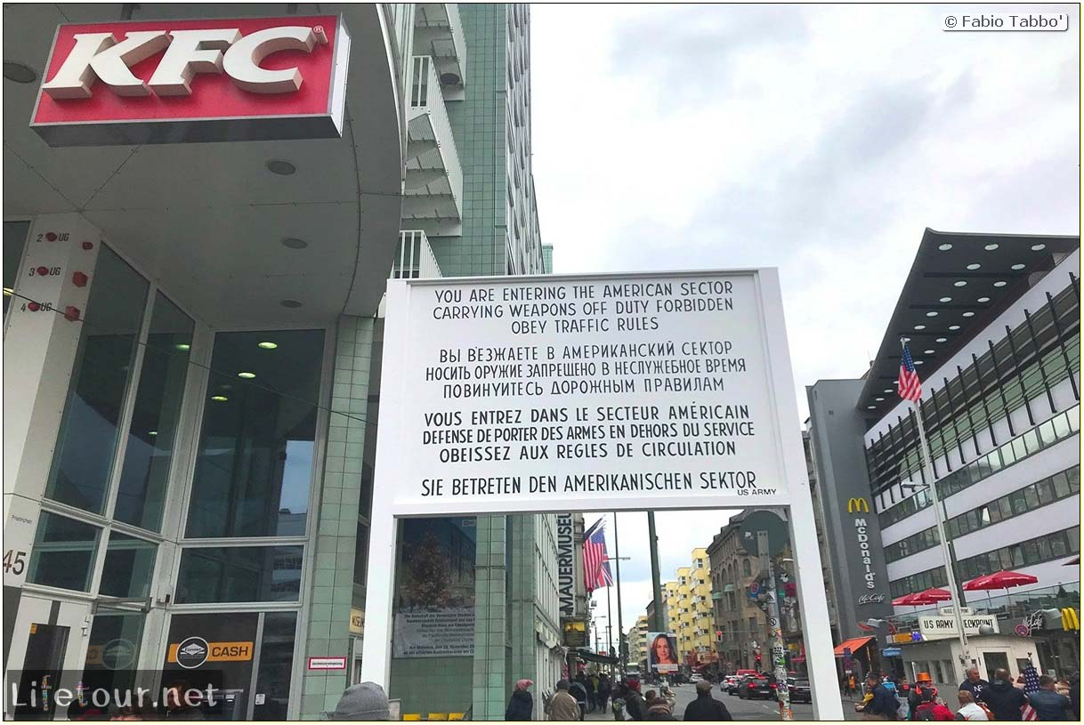 Germany-Tourism-Checkpoint Charlie-33