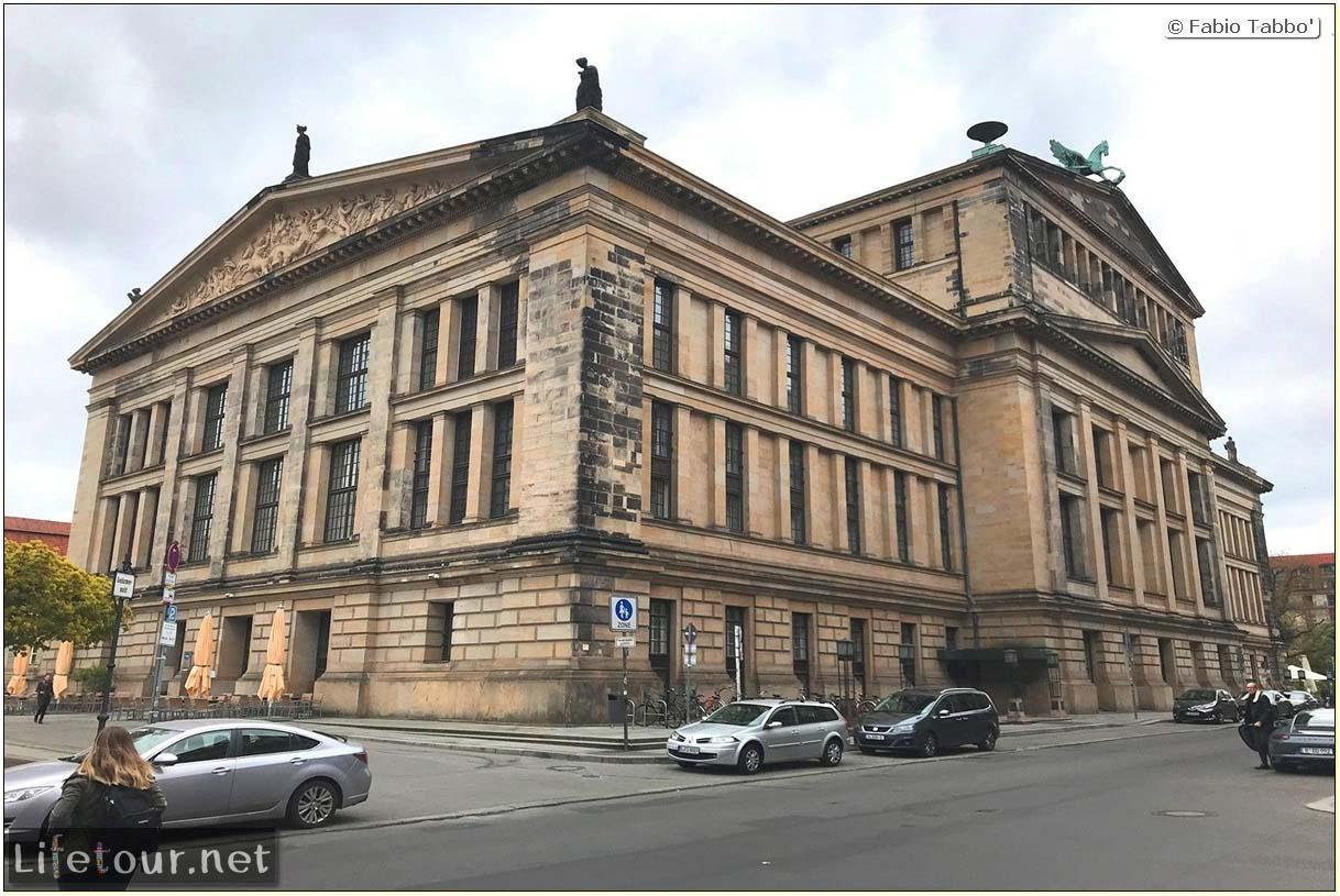 Germany-Tourism-Gendarmenmarkt-14