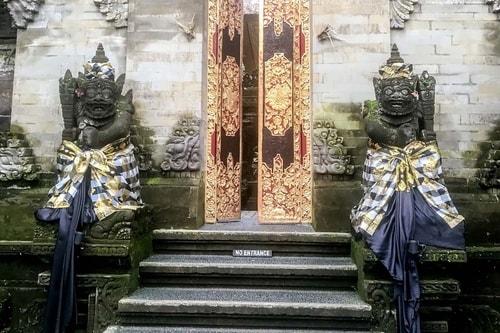 Indonesia-Bali-Ubud-Ubud-Palace-(Puri-Saren-Agung)-19282 COVER