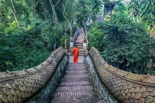 Laos-Luang-Prabang-Tourism-Mount-Phou-Si-18730 COVER