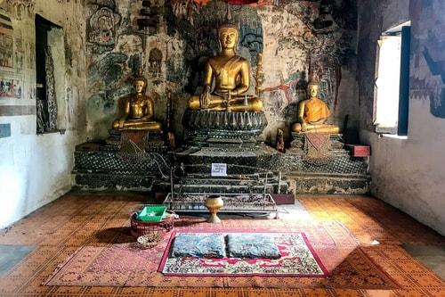 Laos-Luang-Prabang-Tourism-Wat-Pahouak-18746 COVER