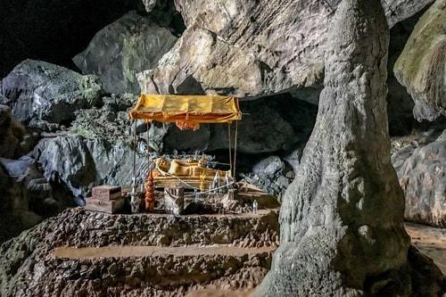 Laos-Tourism-Tham-Phu-Kham-and-Blue-Lagoon-Tham-Phu-Kham-cave-215 COVER