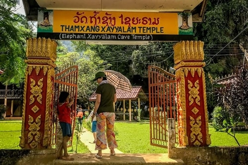 Laos-Vang-Vieng-Tourism-Tham-Xang-(Elephant-Cave)-18928 COVER