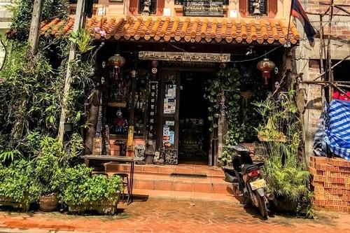 Laos-Vientiane-Shopping-Indochina-Handicraft-19027 COVER