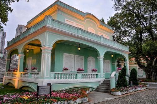 Macau-TAIPA-island-Taipa-old-village-Taipa-Houses-museum-(House-of-the-Portugal-regions)-10775 COVER