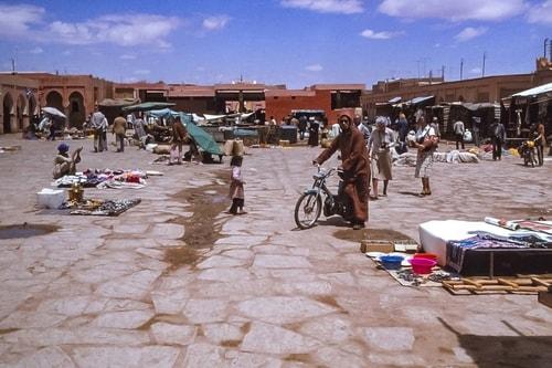 Maroc -Tinejdad-Market-16888 COVER COVER
