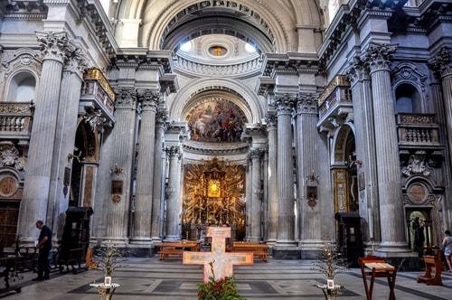 Italy-Rome-Centro-Storico-Chiesa-Santa-Maria-Portico-in-Campitelli-711 COVER