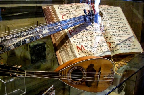 Italy -Veneto-Venice-Castello-Museo della Musica-14603 COVER